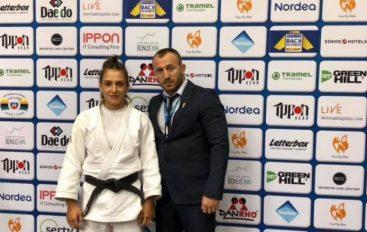Loxha fiton medaljen e bronztë evropiane