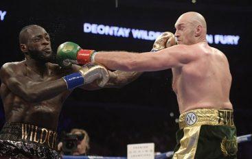 """""""Fury superior në çdo drejtim, e mposht Wilder me KO"""""""