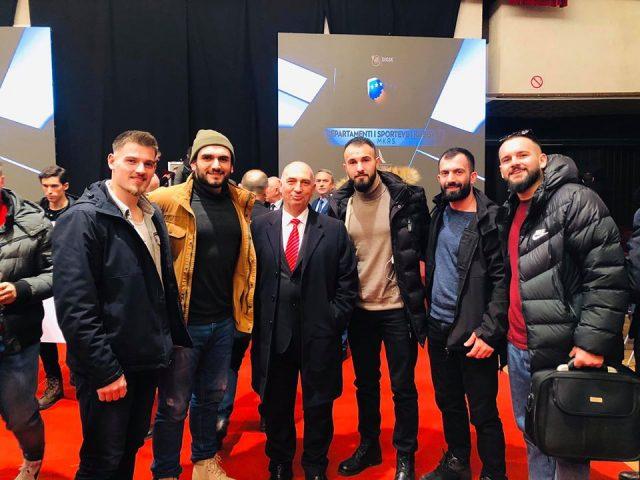 Spektakël i MMA së më 23 shkurt në Pejë