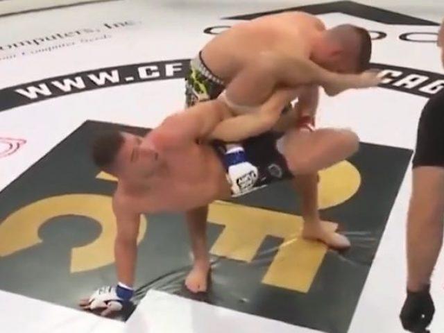 Edhe pse e kishte dorën e thyer  boksieri në MMA refuzoi të dorëzohet