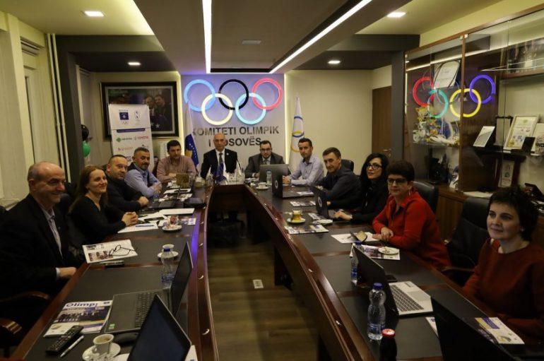 Zyrët e KOK-ut që po i japin forcë Federatës së Boksit të Kosovës! E kush po ia prish ëmbëlsirën?