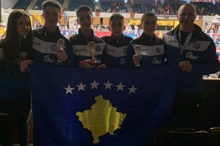 """Taekwondistët e rinj të Kosovës fituan tri medalje në """"German Open 2020"""""""