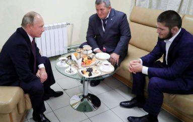 Putin i premtoi Khabibit s'e do të bëj çmos t'ia shpëtoj babain e tij