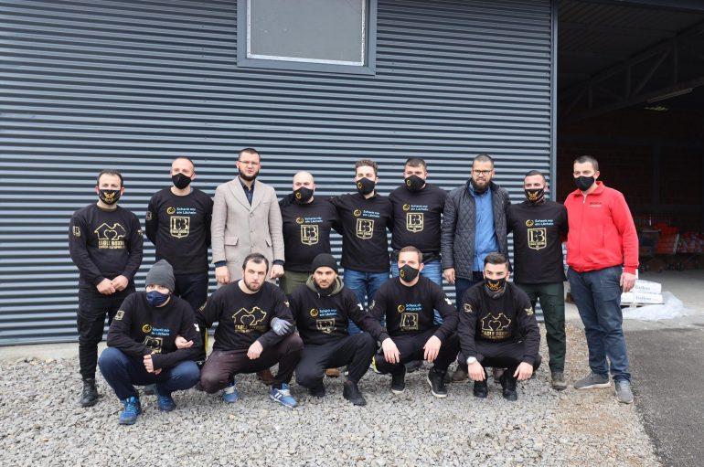 Kampioni Luan Rudaj aksion humanitar në Kosovë