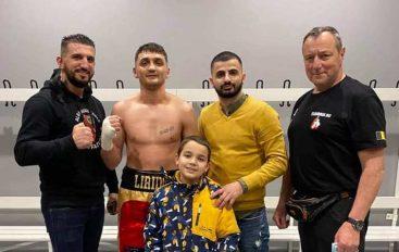 Liridon Fazliu mposht ish nën-kampionin e Evropës në boksin amator
